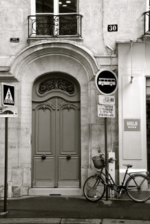 Paris Door & Bike